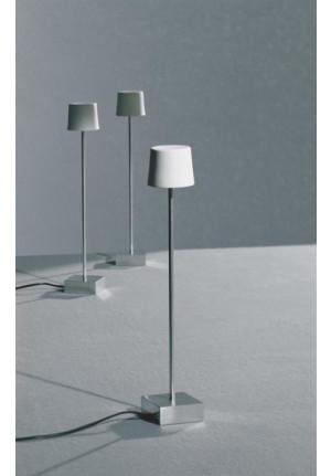 Anta Cut LED Tischleuchte Aluminium
