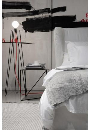 Grupa Model 2 schwarz, Kabelfarbe rot