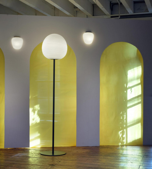 Foscarini Rituals Parete Semi 3 gold (links) und graphit (rechts)