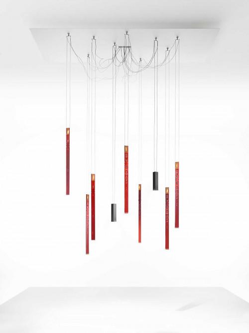 Ingo Maurer Flying Flames Set 3 Elemente rot und Downlights schwarz
