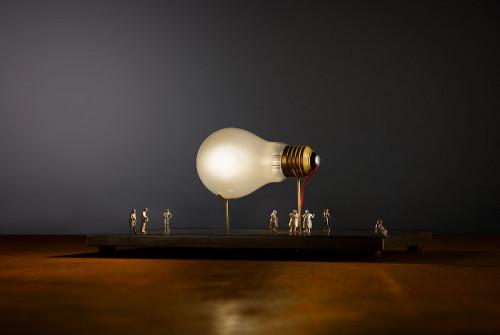 Ingo Maurer I Ricchi Poveri Monument for a Bulb