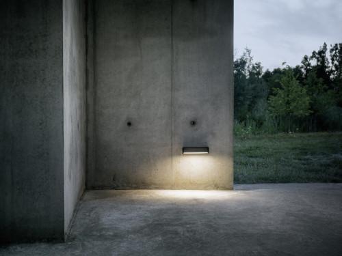 IP44.DE Slat One Wand schwarz