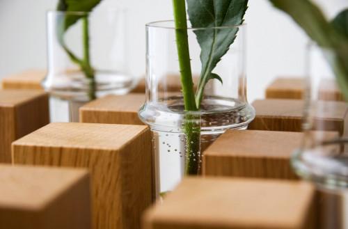 Keilbach - Hocker Sixteen mit Vase Flower