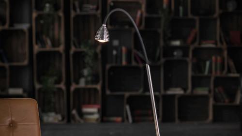 Less'n'more Athene Standleuchte A-SL Aluminium, flexibler Arm Textil schwarz