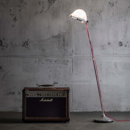 Less'n'more Stereo-SL Aluminium, Leuchtenfuß grau, mit Lichtsegel