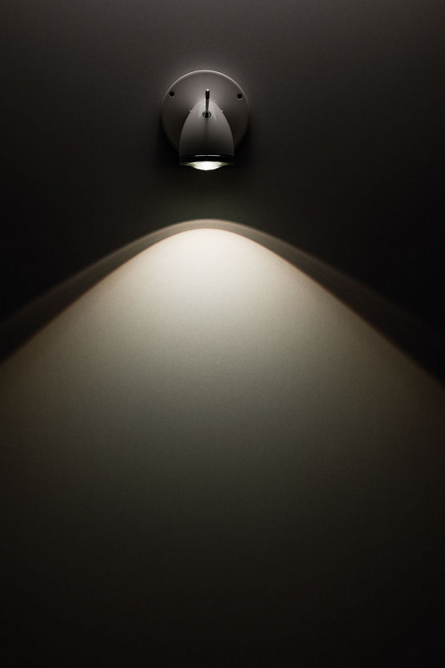 Less'n'more Ylux Wand- / Deckenstrahler breiter Abstrahlwinkel