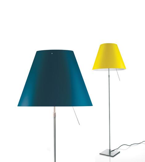 Luceplan Costanza Stehleuchte blau und gelb Gestell Alu