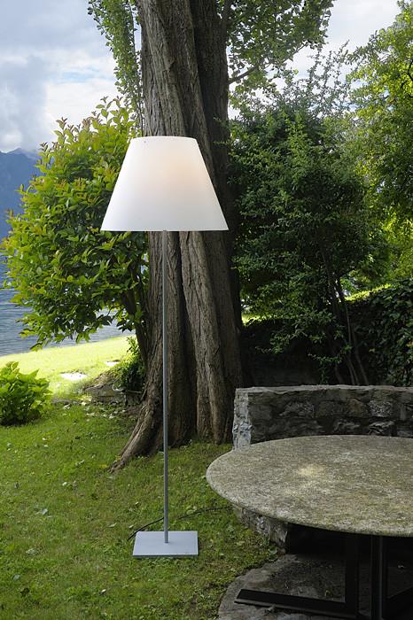 Luceplan Grande Costanza Open Air Schirm off white, Gestell und Fuß Alu