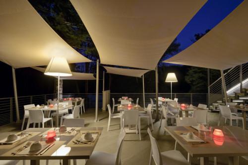 Luceplan Grande Costanza Open Air Schirm off white, Gestell und Montageplatte Alu