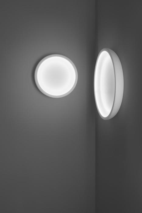Ma[&]De Reflexio 66cm weiß eingeschaltet (rechts)
