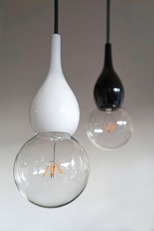 Next Blubb Pendel Mini opal mit schwarzem Kabel und Mini schwarz