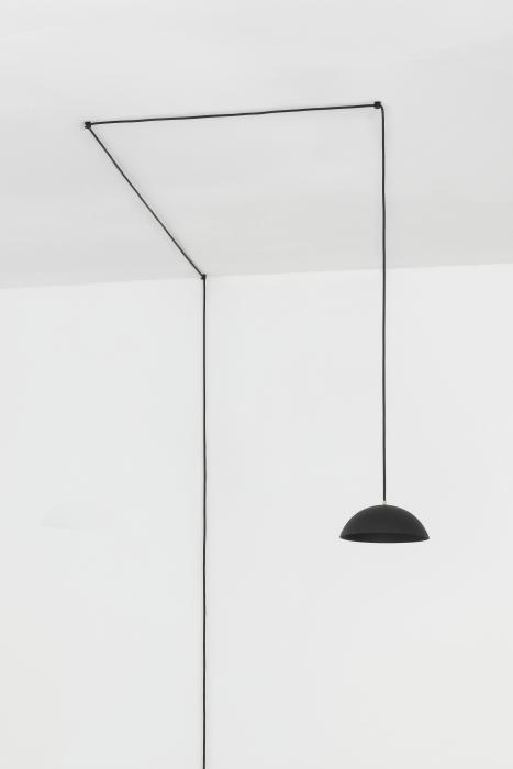 Nyta Pong Plug mit Kabelumlenker