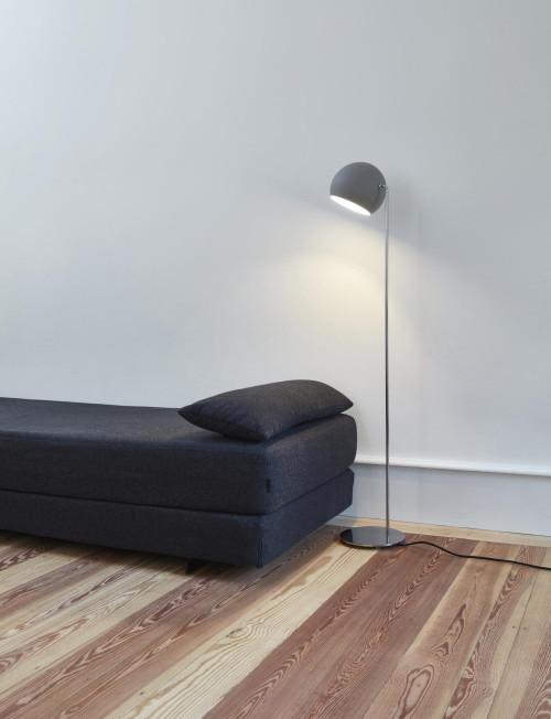 Nyta Tilt Globe Floor grau