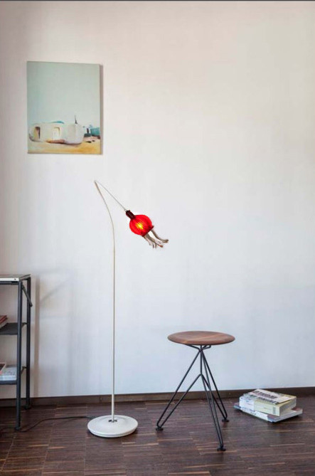 Serien Lighting Poppy Floor 1 arm beige arm, red shade and cream lacquered base