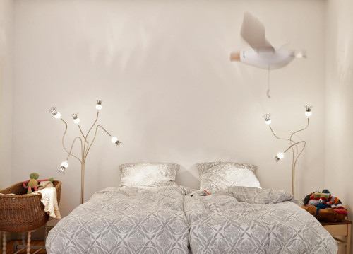 Serien Lighting Poppy Floor 5 und 3 Arme beige,Schirme keramik und Leuchtenfuß creme lackiert