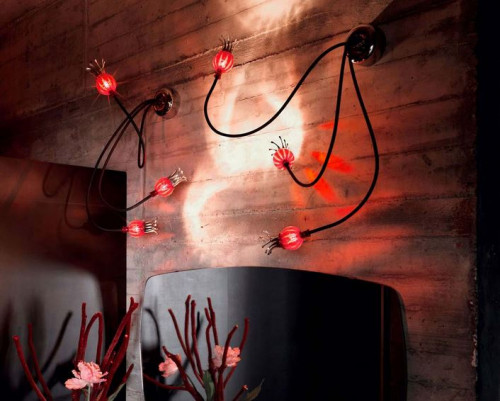 Serien Lighting Poppy Wall/ Ceiling 3 arme schwarz, Schirme rubinrot